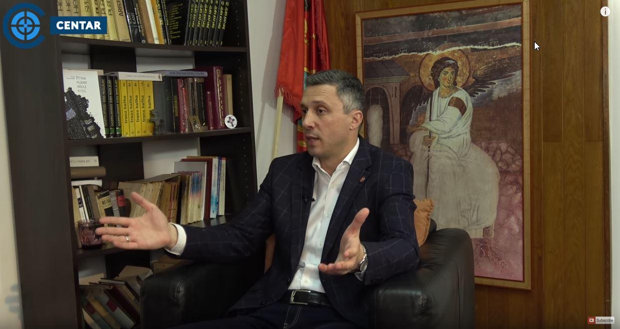 Boško Obradović: Štancuju lažne diplome 30 godina i sa njima pljačkaju i uništavaju Srbiju