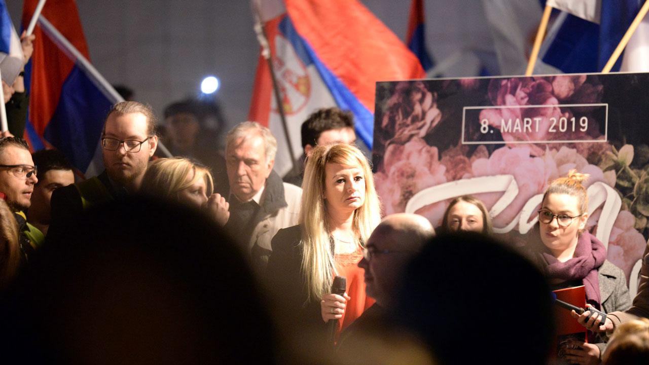 Dragana Trifković govorila na protestu u Novom Sadu