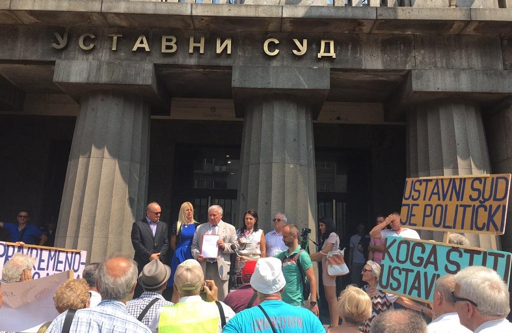 Poslanici PG Dveri podržali inicijativu vojnih penzionera