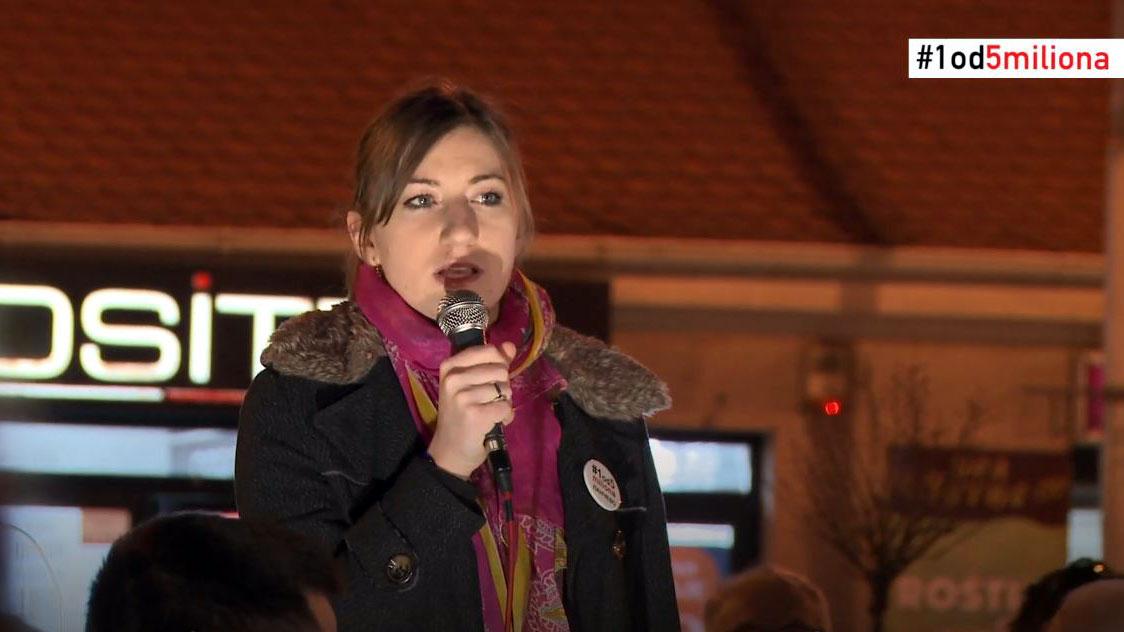 Jelena Vujanović na protestu u Pančevu: Hoćemo Srbiju bez mesije koji nas ubeđuje da ne jede i ne spava