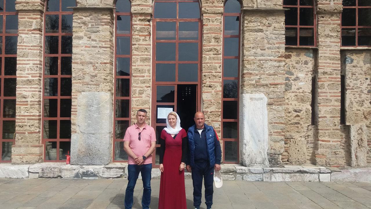 Dveri na Vaskrs na Kosovu i Metohiji