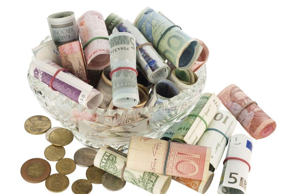 Za stranačku propagandu SNS i SVM u Subotici 26 miliona dinara