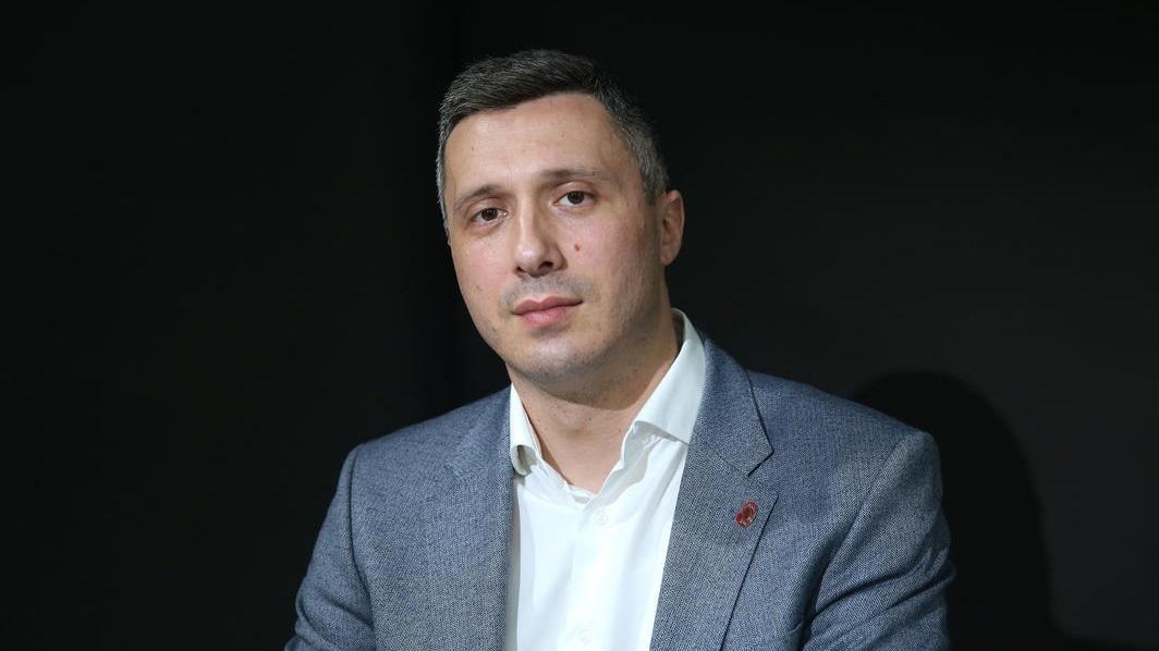 Boško Obradović za portal GračanicaOnlajn: Mrak je najgušći pred zoru