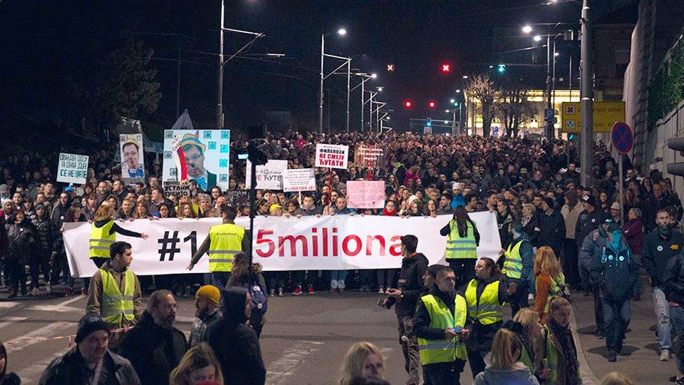 """Legitimisanje učesnika protesta """"1 od 5 miliona"""" znak fašizacije Srbije pod Vučićem"""