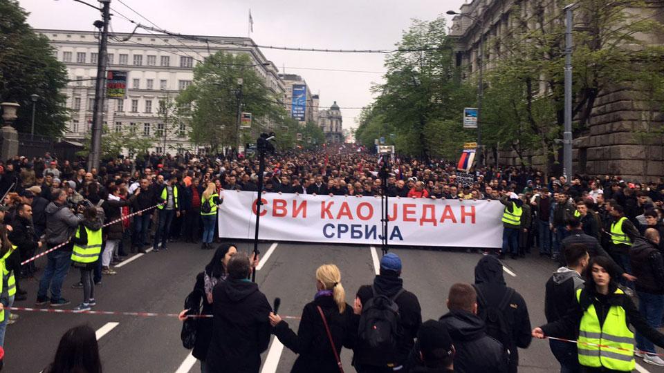 Ogroman broj ljudi na protestu SVI KAO JEDAN, a ovo su njihovi ZAHTEVI