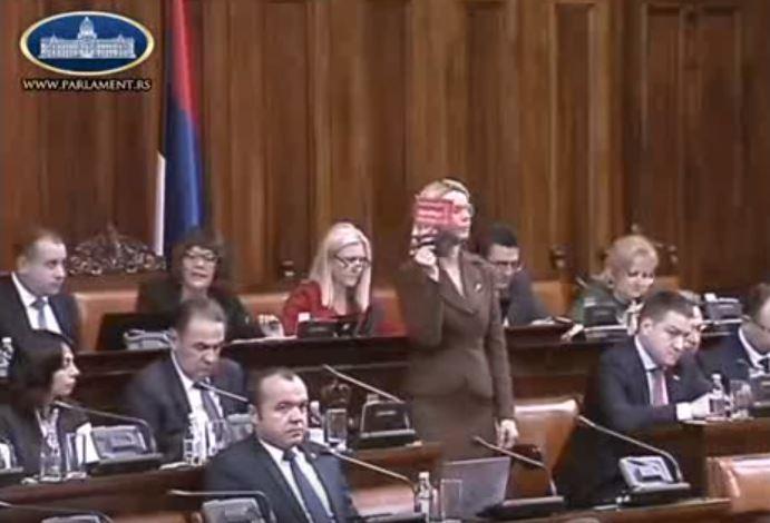 Dveri: Marija Janjušević je isključena sa sednice jer je branila čast Narodne skupštine