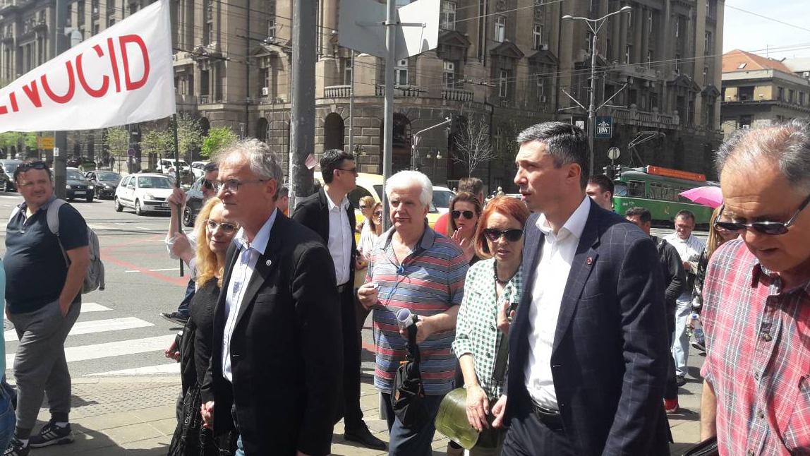 Narodni poslanici Dveri podržali protest Udruženja CHF Srbija