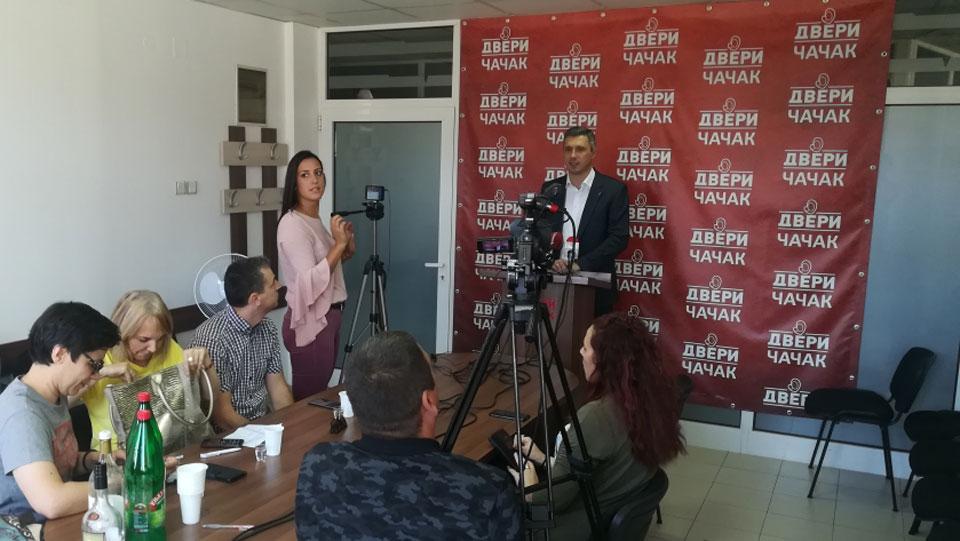 Boško Obradović: A šta je sa pravima trudnica i porodilja u Srbiji?