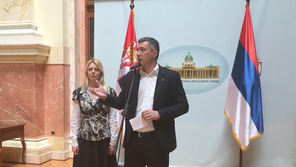 Obradović: Da stanovi za vojnike ne postanu izvor korupcije kao Beograd na vodi