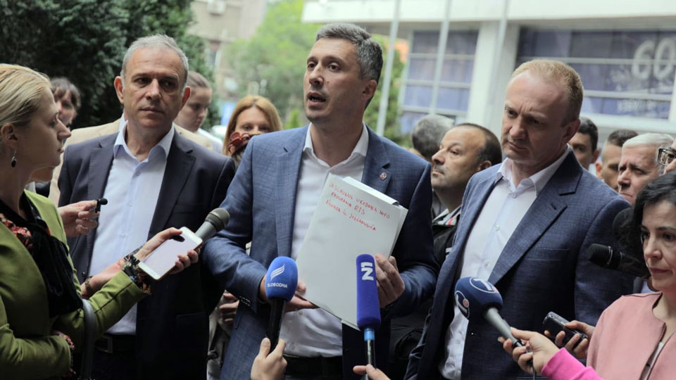 Novi dokazi o falsifikovanoj fakultetskoj diplomi Nebojše Stefanovića