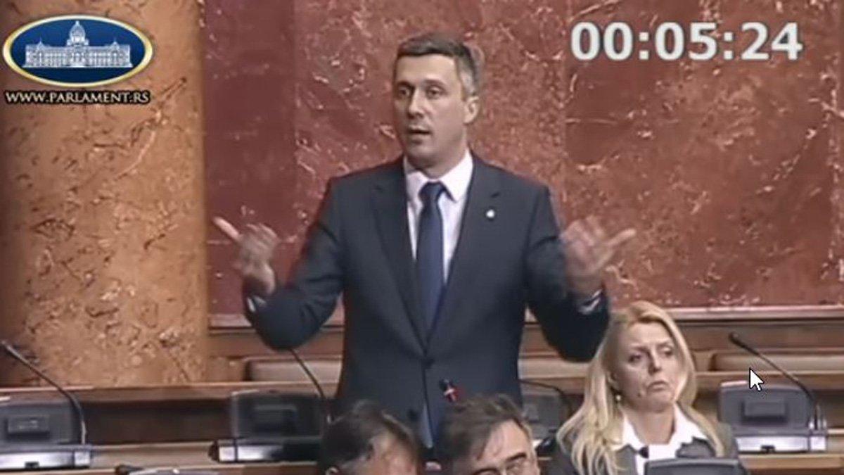 """Obradović postavio pitanja o kreditima u """"švajcarcima"""" i statusu ratnih veterana"""