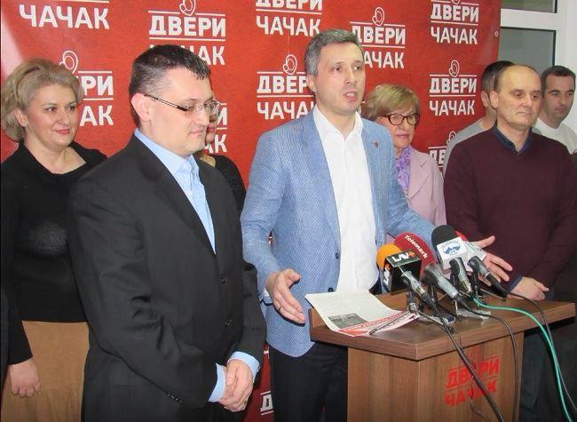 Obradović: Naprednjaci gaze po Ustavu Srbije