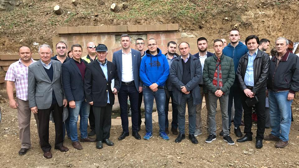Delegacija Dveri na pomenu žrtvama komunističkog terora