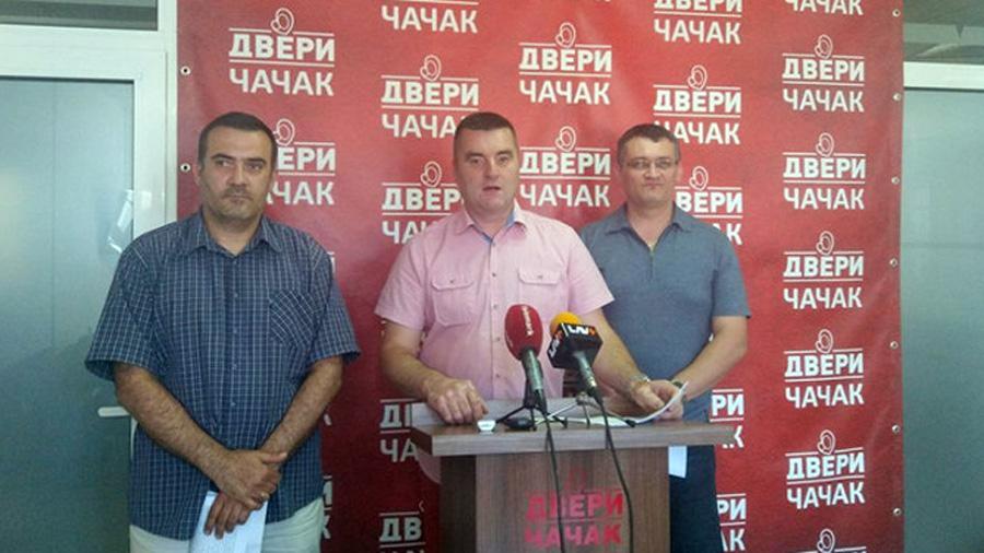 Dveri Čačak: Lažna opozicija podržala predlog SNS