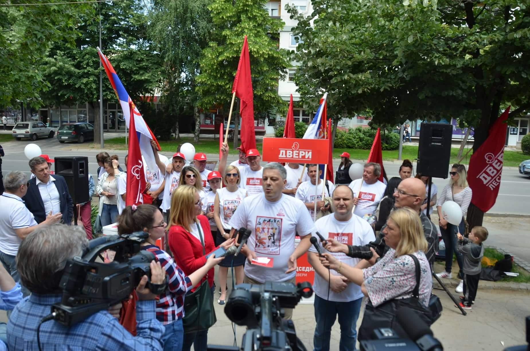 Dveri Leskovac: Porodica za spas
