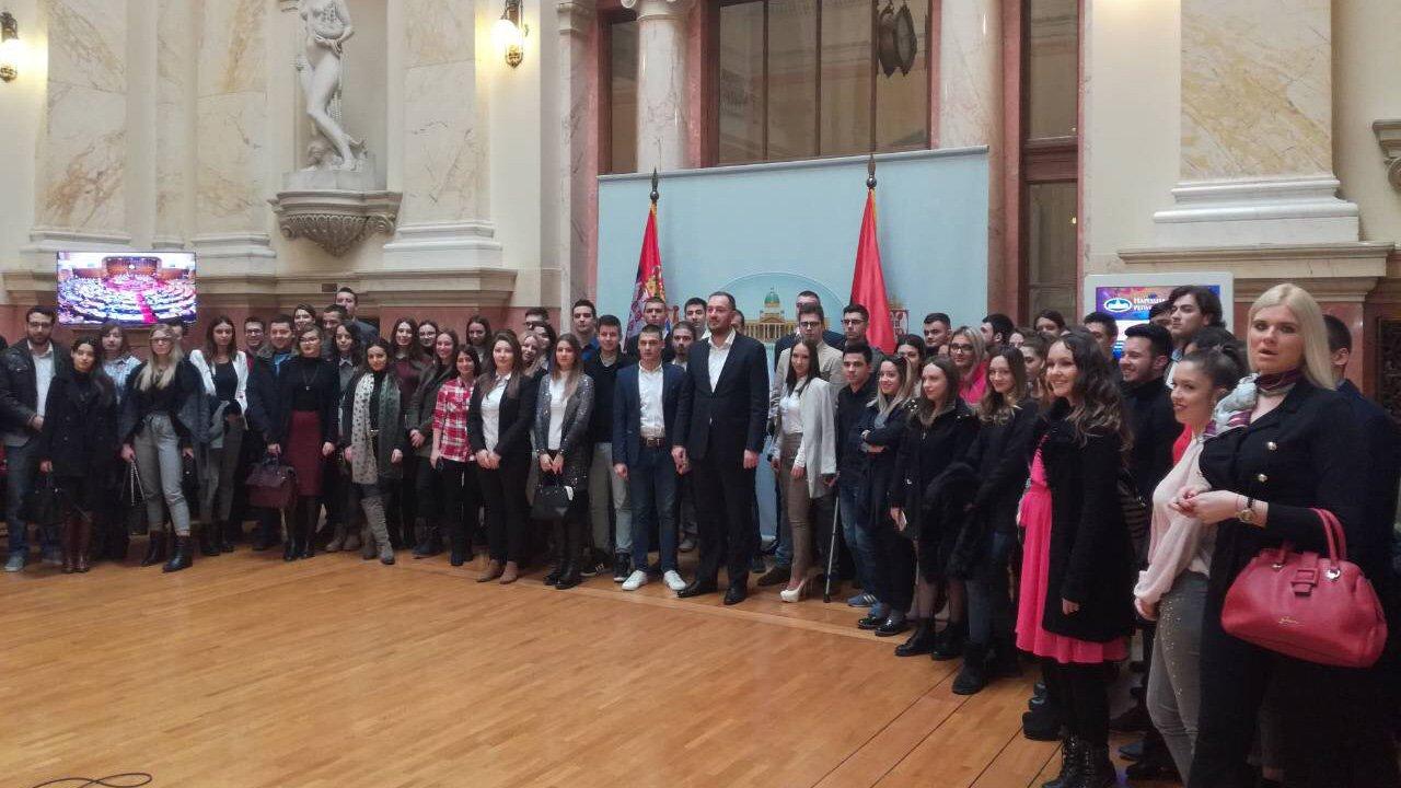 Studenti su most koji povezuje srpski narod