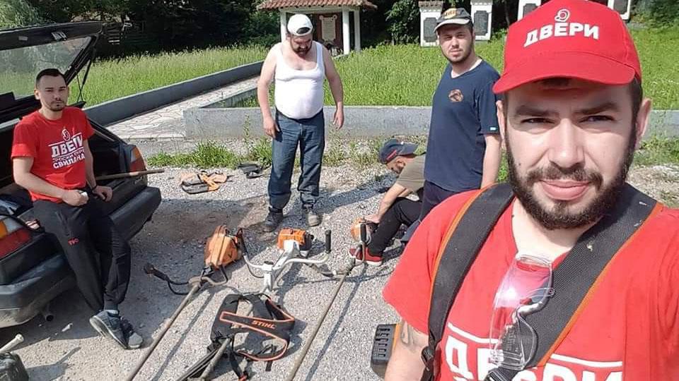 Članovi Dveri Svilajnac sproveli akciju sređivanja sela Bresje
