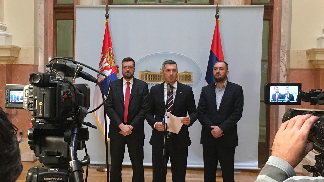 Dveri predale Deklaraciju Narodne skupštine o zaštiti Srba u rasejanju i regionu