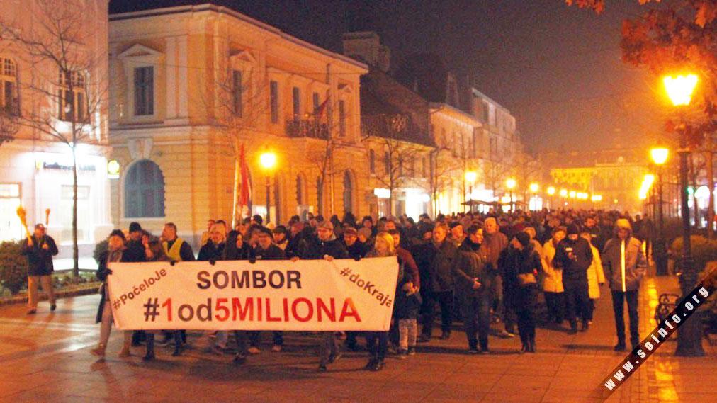 Dragana Trifković na protestu u Somboru