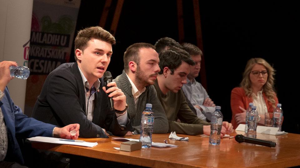 Nikola Đurić na debati mladih o EU: Za nas samo interes Srbije nema alternativu