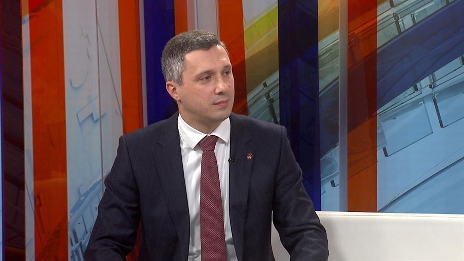 Obradović: SNS brani Beograd, izvešće žive i mrtve na izbore