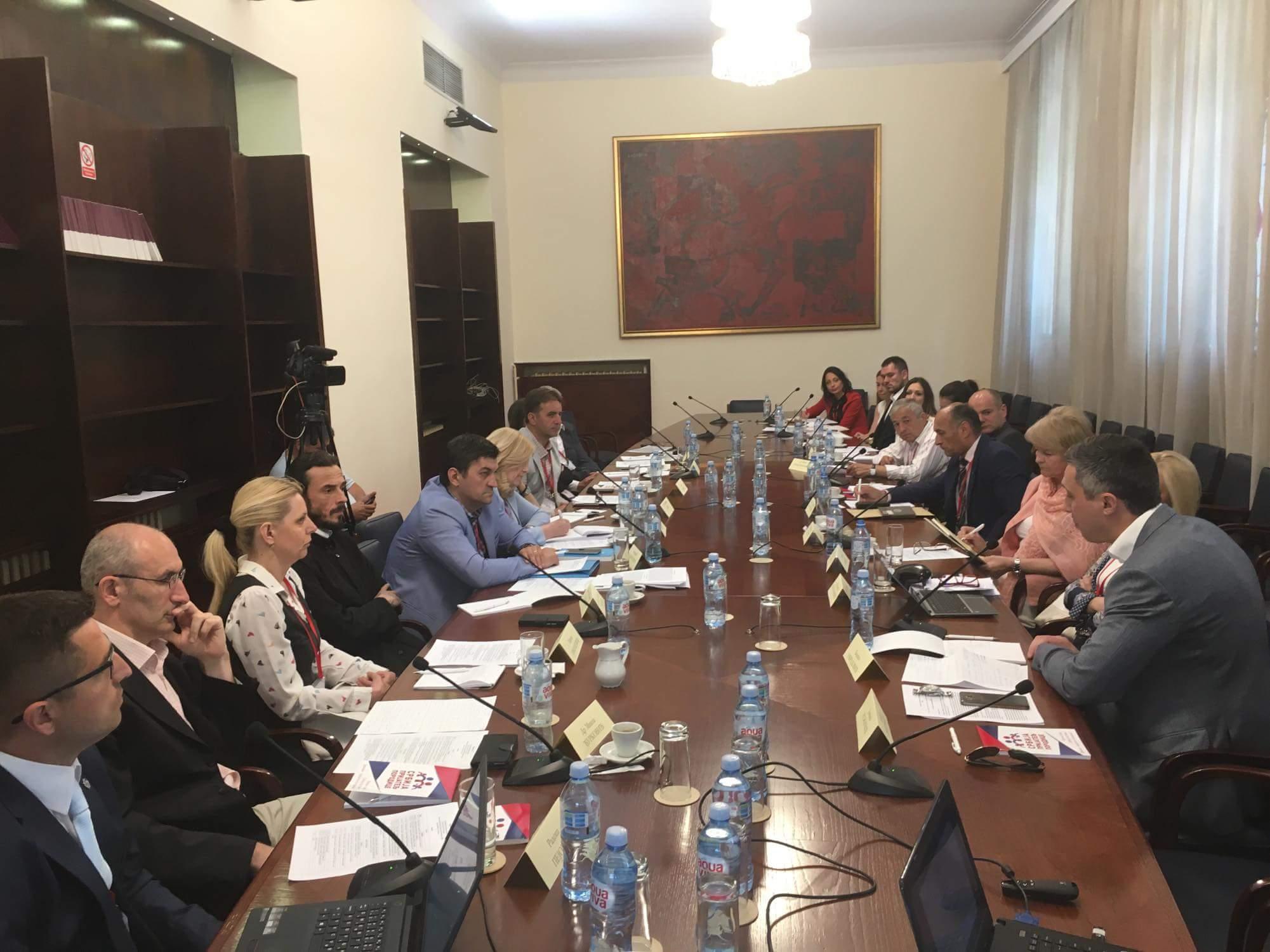 Dveri predale zaključke Okruglog stola ministarki Dejanović