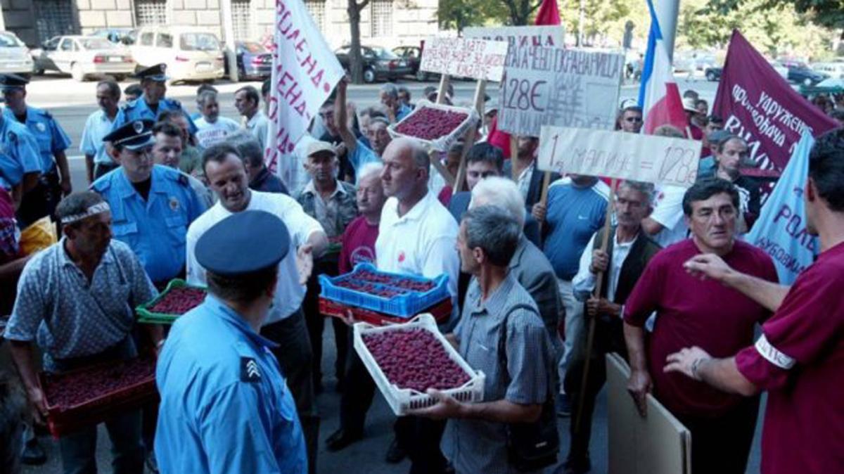 Srpski pokret Dveri podržava proteste malinara