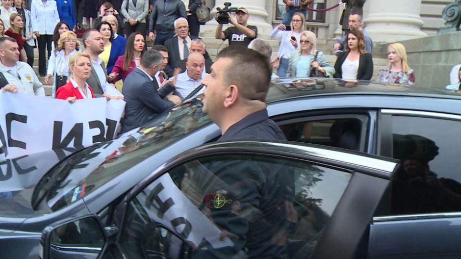 Kiprijanović podneo prijavu protiv Šešeljevog vozača zbog napada palicom