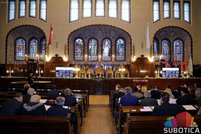 Dveri Subotica: Milicija trenira strogoću po nalogu SNS-a?