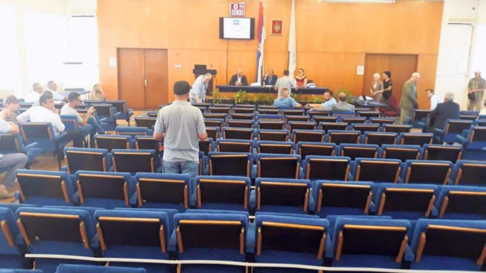 Odbornici Dveri u Smederevu napustili skupštinu