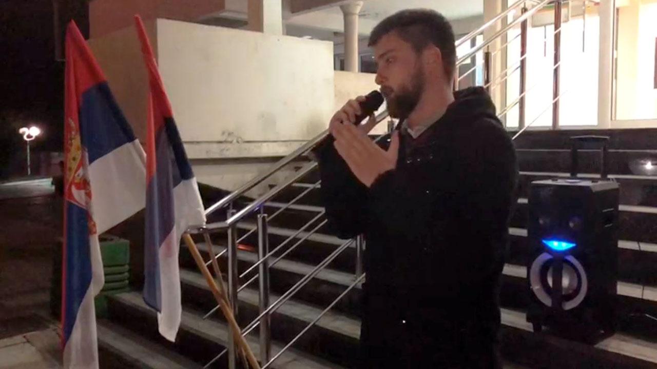Stefan Aksović u Šidu: Ovaj sistem počiva na strahu i mora da padne
