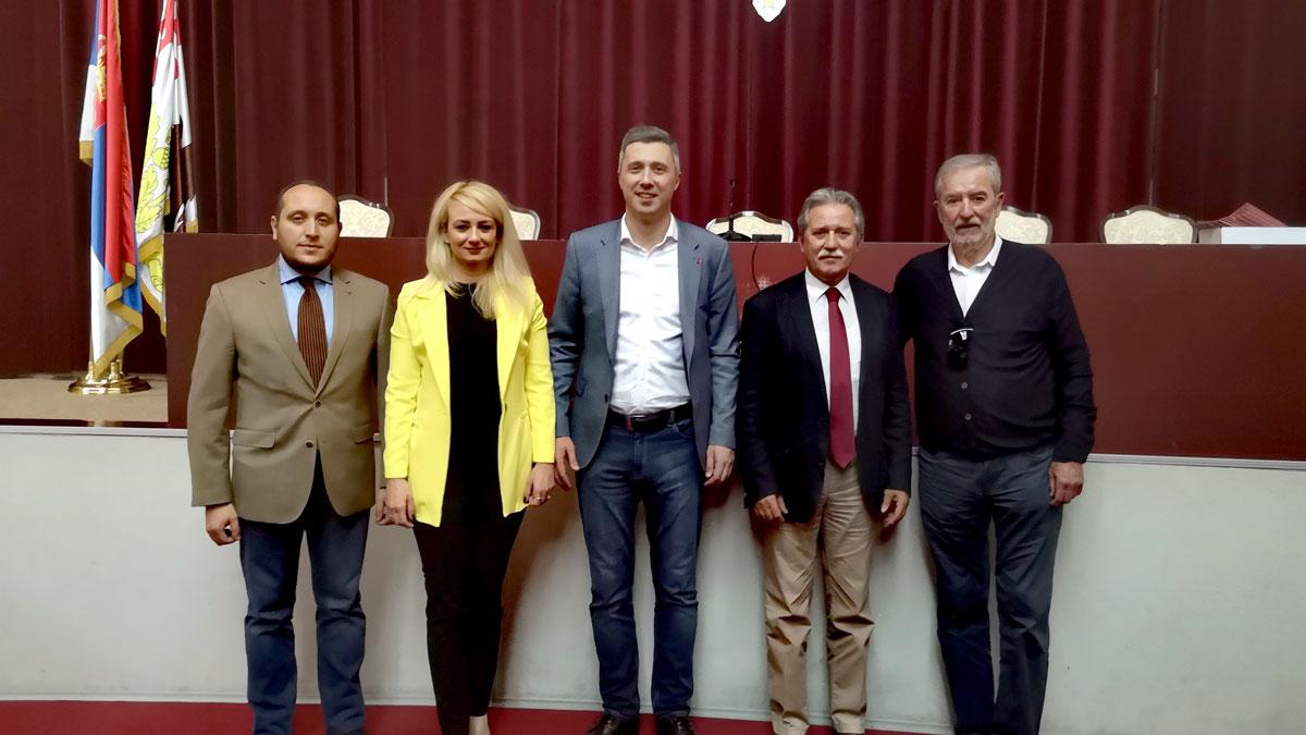 Radna grupa za KiM: Da li je Vučić pitao narod kad je postavio granicu na Jarinju
