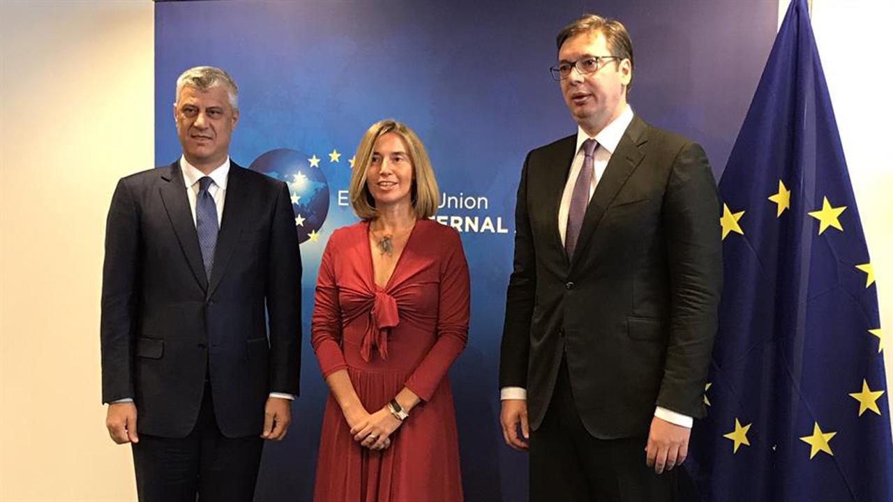 Dveri: Vučić i Ružić najavili priznavanje tzv. države Kosovo
