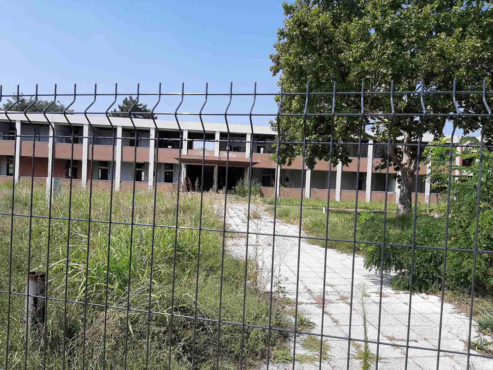 Двери Нови Сад: Да ли смо све морали да продамо и упропастимо – нешто мора да остане и под контролом државе