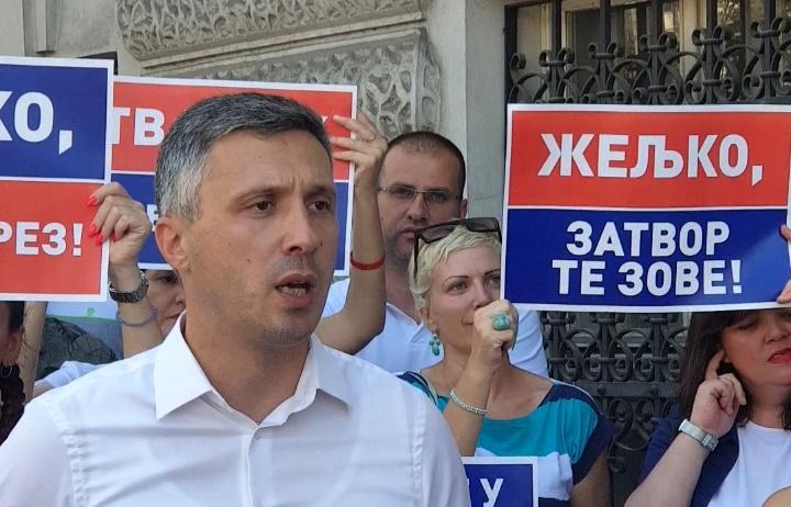 Одговор Жељку Митровићу: Долази време наплате не само пореза који дугујеш већ за сво зло, лоповлук и несрећу коју је ТВ ПИНК донела Србији